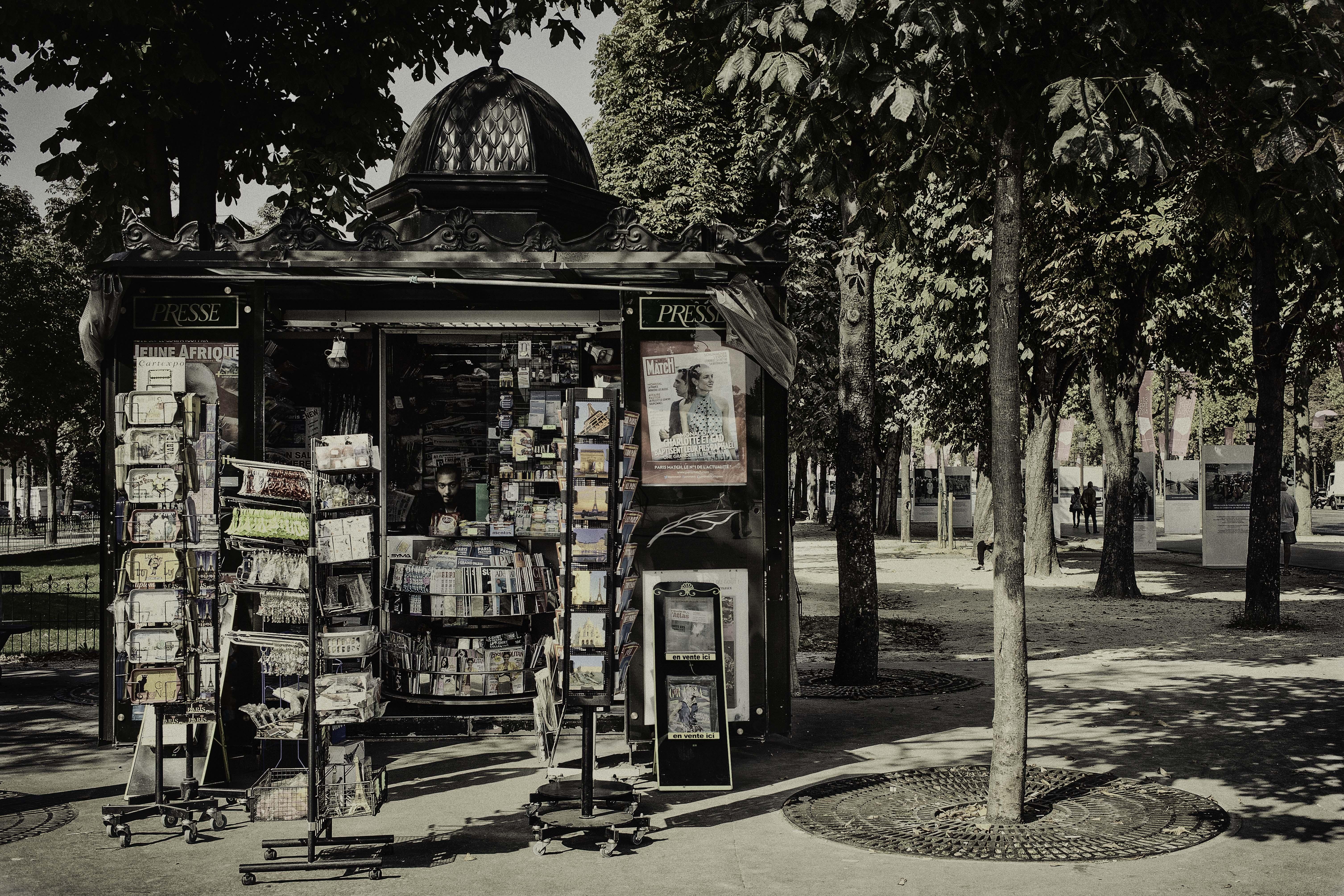 News, Paris, France